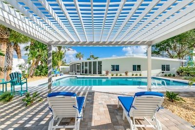 Stunning New SailAway 5 Bedroom Private Home